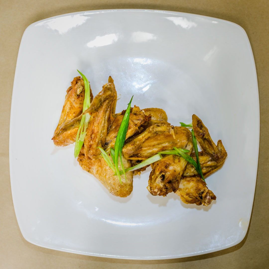 Delivery food available late night from Chameleon Pizza in Northside Cincinnati. Hand breaded wings, fresh tossed cheese fries, fresh doughs and homemade sauces are delicious so order online.